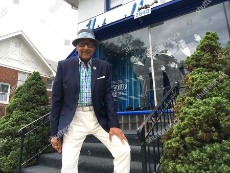 """Abdul """"Duke"""" Fakir. Abdul """"Duke"""" Fakir, the lone surviving original member of the Four Tops and a longtime friend of the late Aretha Franklin, poses in front of the Motown Museum, in Detroit. Fakir says he has stopped going to funerals in recent years, because he has lost so many close friends he can't take it anymore. But the Motown great says he won't miss the chance to pay his final respects to Franklin, who will be laid to rest on Aug. 31"""