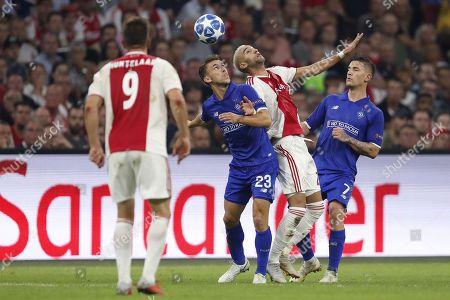 (L-R) Klaas Jan Huntelaar of Ajax, Josip Pivaric of Dynamo Kyiv, Hakim Ziyech of Ajax, Benjamin Verbic of Dynamo Kyiv during