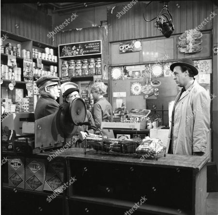 Jack Howarth (as Albert Tatlock), Lynne Carol (as Martha Longhurst), Betty Alberge (as Florrie Lindley) and Derek Benfield (as Credit Salesman)
