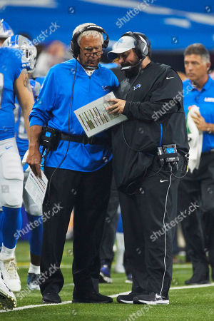 Detroit Lions head coach Matt Patricia, right, talks to defensive coordinator Paul Pasqualoni on the sideline against New York Giants during an NFL football game at Ford Field in Detroit, Friday, Aug.., 2018