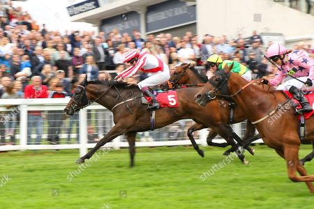 CARLTON FRANKIE ridden by James Sullivan 1st The China Southern Airlines Handicap Stakes at Epsom