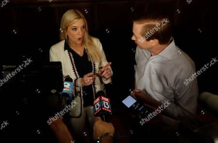 Stock Image of Florida Attorney General Pam Bondi, left, campaigns for Republican gubernatorial candidate Adam Putnam, in Tampa, Fla