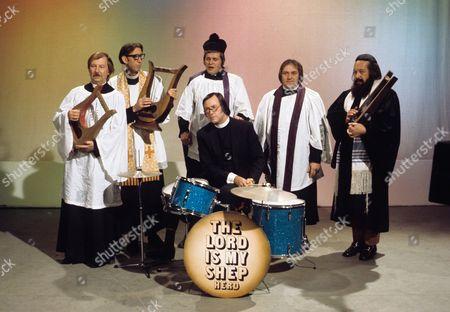 'Sez Les' - Clive Dunn, Eli Woods, Jack Douglas, Les Dawson and Roy Barraclough