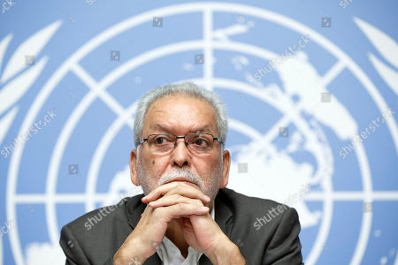 Kamel Jendoubi, Chairperson of the Group of Eminent Experts on Yemen, informs the media on the publication of its report on the establishment of facts and circumstances surrounding alleged violations and abuses committed by all parties to the conflict in Yemen, during a press conference, at the European headquarters of the United Nations in Geneva,, Switzerland, 28 August 2018.