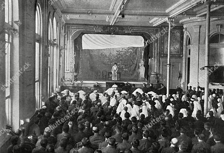 The Theatrical Trip to France - the Concert Party Organised by Mr Seymour Hicks. Ellaline Terriss Singing 'Thank You For All You Are Doing ' to the Soldiers and Nurses in the Hospital at Boulogne. the Concert Party Which Also Included the Actress Gladys Cooper Travelled Around the Front Giving Impromptu Concerts and Managing Themselves Entirely Self-sufficiently. . Photograph in the Illustrated Sporting and Dramatic News, 9 January 1915