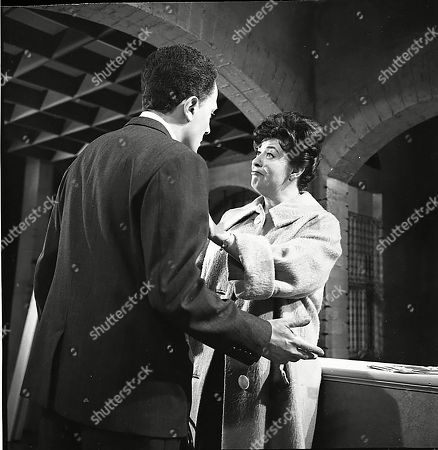 Stanley Meadows (as Laurie Frazer) and Pat Phoenix (as Elsie Tanner)