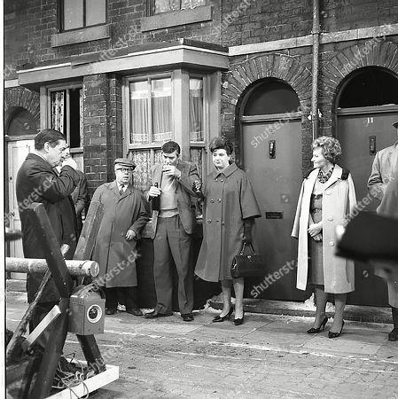 Frank Pemberton (as Frank Barlow), Jack Howarth (as Albert Tatlock), Ivan Beavis (as Harry Hewitt), Pat Phoenix (as Elsie Tanner) and Doreen Keogh (as Concepta Hewitt)