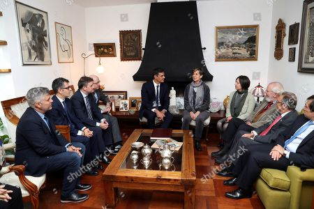 Spanish Prime Minister, Pedro Sanchez (C-L), meets with Chilean Senator Isabel Allende (C-R) in Santiago de Chile, 28 August 2018. The Spanish Prime Minister started his Latin American tour during which he will be visiting Chile, Bolivia, Colombia and Costa Rica.