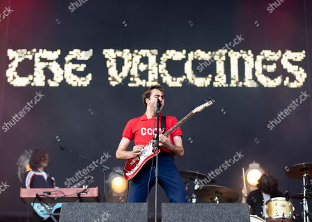 Justin Young - The Vaccines