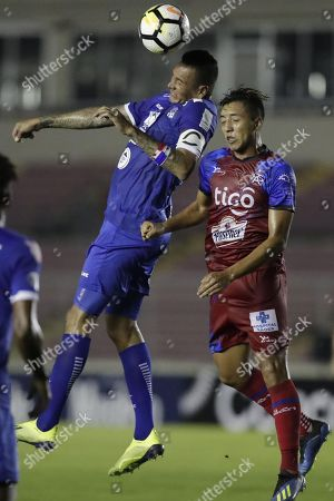 Blas Perez (L) of Arabe Unido vies for the ball with Walter Chiguila (R) of CD FAS during the CONCACAF League first leg quarterfinals soccer match between CD FAS of El Salvador and Arabe Unido of Panama held at the Rommel Fernandez National Stadium in Panama City, Panama, 28 August 2018.