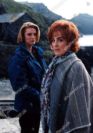 'Wycliffe'   TV SERIES 2 Episode 4 - Lost Contact Picture shows - Helen Masters as D.I. Lucy Lane and Eleanor Bron as Edwina Coryn