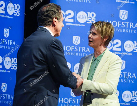 New York Governor Andrew M. Cuomo and Democratic candidate for New York governor Cynthia Nixon arrive and shake hands at Hofstra University in Hempstead, New York, USA, 29 August 2018, for the Democratic gubernatorial primary debate.