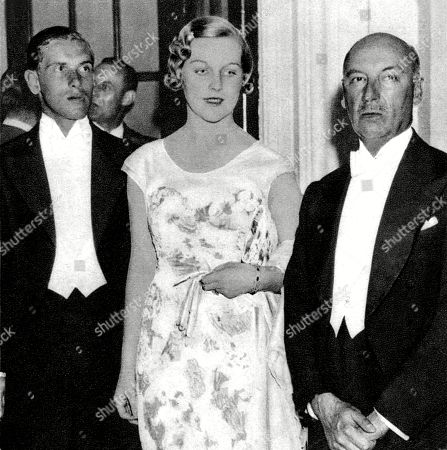 Super Portraits Mitfords Sisters Lady Mosley Mrs Bryan Guinness Download Free Architecture Designs Scobabritishbridgeorg