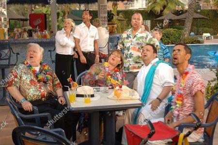 'Benidorm'  TV - 2009 - Kenny Ireland, Crissy Rock, Jack Canuso, Janet Duvitski, Steve Pemberton, Hugh Sachs, Paul Bazley.