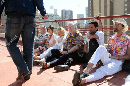 Stock Photo of 'Benidorm'  TV - 2009 - Steve Pemberton, Siobhan Finneran, Sheila Reid, Kenny Ireland, Jack Canuso, Paul Bazley.