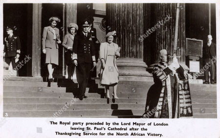 Ww2 - Thanksgiving Service For Victory in North Africa - the Royal Family Preceded by the Lord Mayor of London Leaving St. Paul's Cathedral. King George Vi is Accompanied by Queen Eizabeth Princess Elizabeth and Princess Margaret (see: Also 11049667 and 11768203). Photochrom Postcard