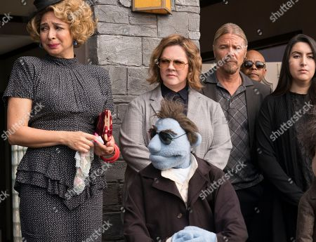 Maya Rudolph as Bubbles, Melissa McCarthy as Detective Connie Edwards, Phil Philips (Bill Barretta)