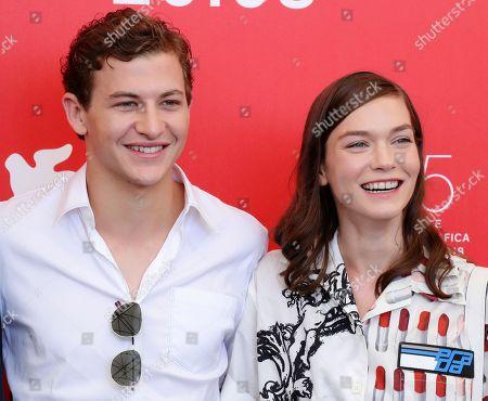 Tye Sheridan and Hannah Gross