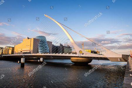 Samuel Beckett Bridge, cable-stayed bridge and swing bridge over the river Liffey, architect Santiago Calatrava, Dublin, Republic of Ireland