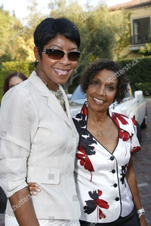 Natalie Cole and Dolores Robinson