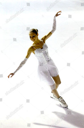 Editorial picture of British woman earns PhD in ice skating - 26 Jul 2009