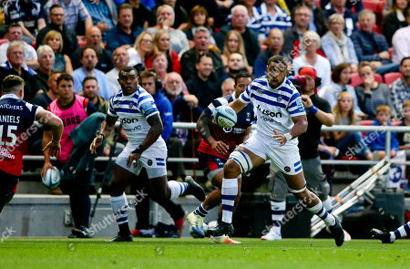 Stock Image of Taulupe (Toby) Faletau of Bath makes a rampaging run down the wing