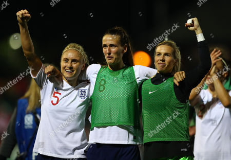 Stephanie Houghton, Jill Scott and Carly Telford of England celebrate at full time