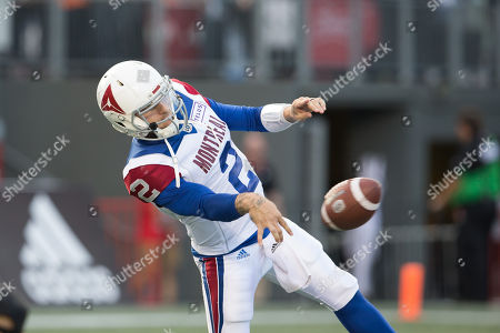 Montreal Alouettes quarterback Johnny Manziel (2) warms up prior to the CFL game between Montreal Alouettes and Ottawa Redblacks at TD Place Stadium, in Ottawa, Canada