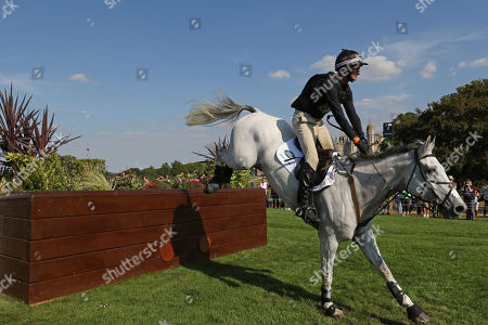 Mark Todd on Kiltubrid Rhapsody on the Cross Country day of the 3 Day event