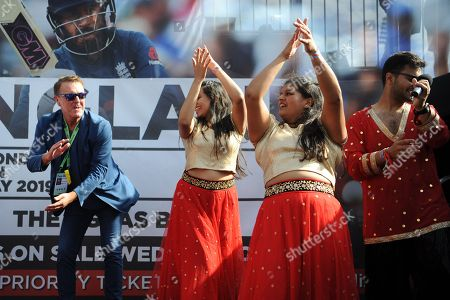 Stock Photo of Ex England player and now BBC TMS commentator Phil Tufnell  takes part in a Bollywood dance Routine with Southampton University Indian Dance Society during the third day of the 4th SpecSavers International Test Match 2018 match between England and India at the Ageas Bowl, Southampton