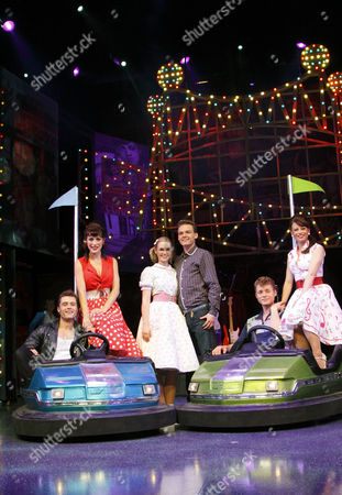 'Dreamboats and Petticoats' - l-r: Ben Freeman (Norman), Jennifer Biddall (Sue), Daisy Wood-Davis (Laura), Scott Bruton (Bobby), A J Dean (Ray), Emma Hatton (Donna)