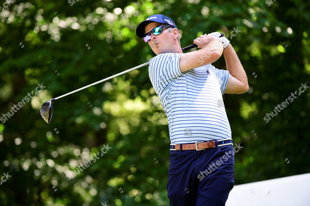 Kevin Streelman, of the United States, plays his shot from the ninth tee during the second round of the PGA Dell Technologies Championship golf tournament held at TPC Boston in Norton, MA