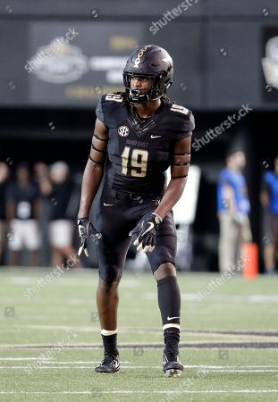 Vanderbilt wide receiver Chris Pierce plays against Middle Tennessee in the first half of an NCAA college football game, in Nashville, Tenn