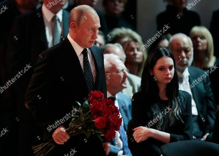 Russian President Vladimir Putin (C) lays flowers at the coffin during a funeral ceremony of the Soviet and Russian singer Iosif Kobzon at Tchaikovsky concert hall in Moscow, Russia, 02 September 2018. Iosif Kobzon, a leader of Soviet pop singer school, compared to Frank Sinatra and known also for his charity activity and as a public figure, has died at the age of 81 on 30 August 2018.
