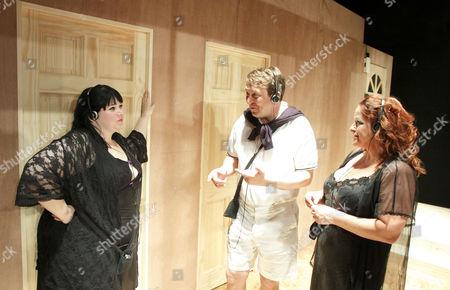 l-r: Debbie Chazen (Tessa), Alex Lowe (Punter),, Beatie Edney (Suzie)