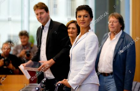 (L-R) Bernd Stegemann, author and dramatic adviser, Simone Lange, Mayor of Flensburg Sahra Wagenknecht, chairwoman of the parliamentary group of The Left (Die Linke) party in the German 'Bundestag' parliament and Ludger Volmer, former chairman of The Greens party, arrive for the founding press conference of the movement 'Get Up' (Aufstehen) in Berlin, Germany, 04 September 2018. 'Get up' aims at gathering supporters of different parties in a common movement and to promote campaigns for left-wing political goals.