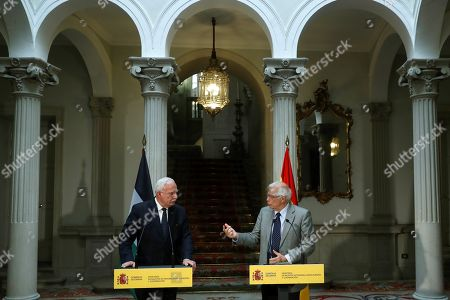 Spanish Foreign Minister, Josep Borrell (R), and his Palestinian counterpart, Riad Malki, during a joint press conference held at the end of their meeting at Santa Cruz Palace in Madrid, Spain, 04 September 2018.