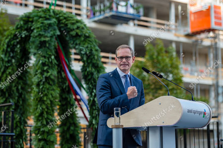 Berlin's Mayor Michael Mueller, attends the topping out of the new Axel Springer building in Berlin, Germany, 04 September 2018. The new building of Axel Springer, one of the biggest digital publishers in Europe that owns various multimedia news brands is designed by Dutch architect Rem Koolhaas.