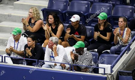 Lindsay Davenport sits in Madison Keys players box (front row 2nd left)