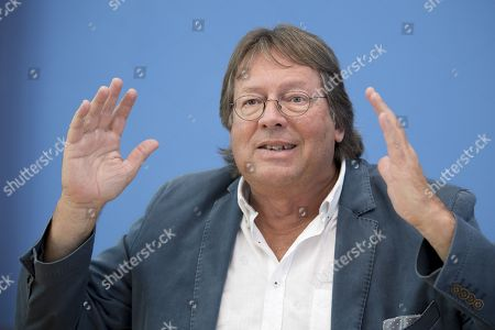 Stock Image of Ludger Volmer former chairman of the German Greens party, during a press call of the new left-wing political movement called Aufstehen, Stand Up