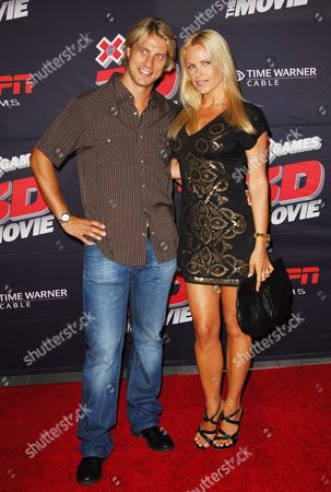 Stock Picture of Gena Lee Nolin & husband Cale Hulse