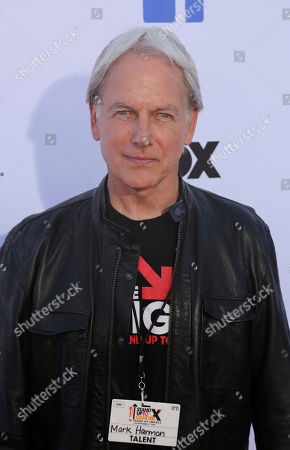 Stock Photo of Mark Harmon arrives at the 2018 Stand Up To Cancer event at the Barker Hangar at the Santa Monica airport, in Santa Monica, Calif