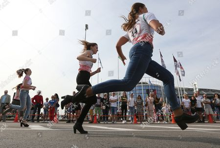 Perfekt Women Take Part In The High Heel Race In Minsk, Belarus, 08 September 2018  ...