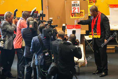 The new president of the Popular Movement for the Liberation of Angola (MPLA) Joao Lourenco (2-R) casts his vote during the 6th MPLA Extraordinary Congress held in the Belas Complex, south of Luanda, Angola, 08 September 2018. Former President of Angola, Jose Eduardo dos Santos, ended his career in active politics on the same day, handing over power to the Popular Movement for the Liberation of Angola (MPLA) to current Angolan head of state, Joao Lourenco.