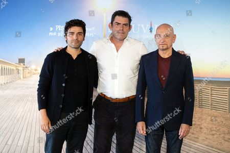 (L-R) Guatemalan-born US actor Oscar Isaac, US director Chris Weitz and British actor Sir Ben Kingsley pose for the photographers during the photocall for 'Operation Finale' during the 44th Deauville American Film Festival, in Deauville, France, 08 September 2018. The festival runs from 31 August to 11 September.