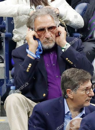 US actor Judd Hirsch watches as Juan Martin del Potro of Argentina plays Novak Djokovic of Serbia during the men's final on the fourteenth day of the US Open Tennis Championships the USTA National Tennis Center in Flushing Meadows, New York, USA, 09 September 2018. The US Open runs from 27 August through 09 September.