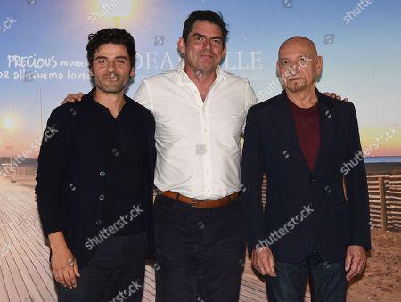 Stock Photo of Chris Weitz, Oscar Isaac and Sir Ben Kingsley