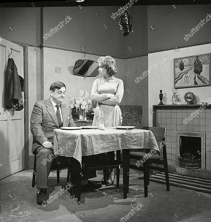 Frank Pemberton (as Frank Barlow) and Anne Reid (as Valerie Barlow)