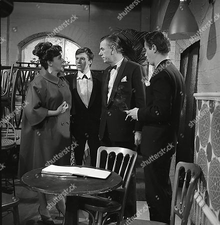 Pat Phoenix (as Elsie Tanner), Philip Lowrie (as Dennis Tanner), Alister Williamson (as Gus Lowman) and Roy Maxwell (as Cashier)