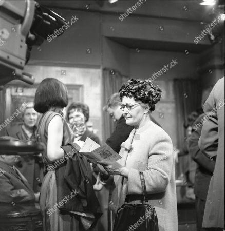 Susan Jameson (as Myra Booth), Graham Haberfield (as Jerry Booth) and Lynne Carol (as Martha Longhurst)